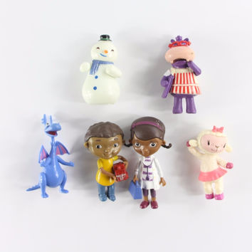Doc McStuffins Friends Stuffy Hallie Lambie Chilly Miniature Toy Characters Figures Set