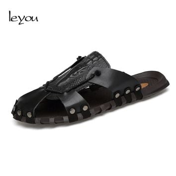 Leyou Men Leather Slippers Summer Flat Sandals Crocodile Slippers New Flip Flops Homens Closed Toe Slippers Outdoor