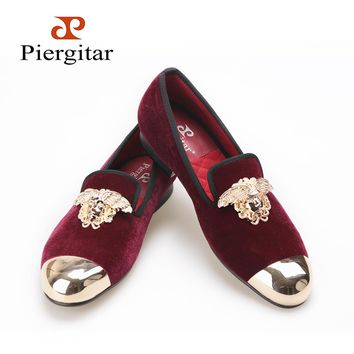 PIERGITAR New Velvet Shoes with gold toe and metal medusa design wine red color Men's flats dressing and Party Men loafers