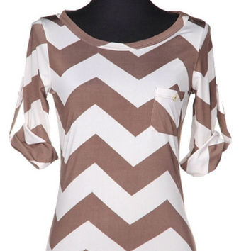 Chevron Top with Pocket - Mocha