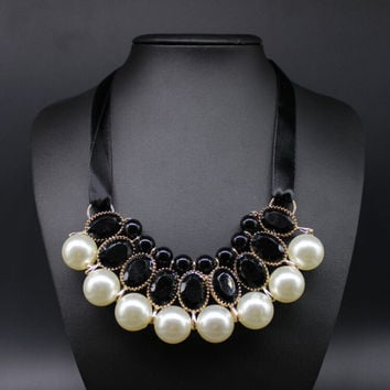 New Temperament Big Imitation Pearl Resin Necklace & Pendant Ribbon Statement Necklace Women Collar Jewelry For Lady Gifts Party