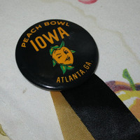 82 Iowa Peach Bowl Souvenir Badge