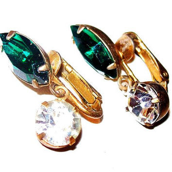 "Emerald Green Rhinestone Earrings Clear Dangle Clip On's Xmas 1 1/8"" Vintage"
