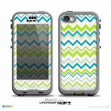 The Green & Blue Leveled Chevron Pattern Skin for the iPhone 5c nüüd LifeProof Case