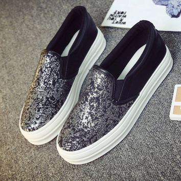 Womens Trendy Design Slip-On Casual Sneakers