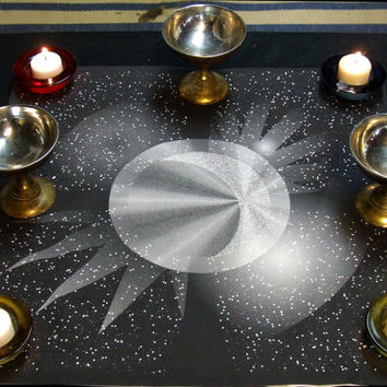 Altar Cloth or Tarot Cloth - Four Quarters of the Moon - Pagan Altar Cloth - Wiccan Altar Cloth - Wicca - Full Moon - Wheel of the Year