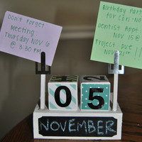 Block Chalkboard Desk Calendar with Note Holder - Super Cute!