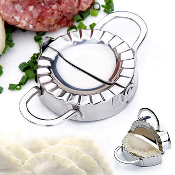 2017 1pcs Dumpling Mould Stainless Steel Dough Press Dumpling Pie Ravioli Making Dumplings Mold Dumpling Clip Kitchen Mould Tool