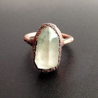 Tiny Quartz Ring - Statement Ring - Unique Ring - Raw Stone Ring - Copper Ring - Semiprecious Stone Ring - Tiny Ring - SIZE 5.5