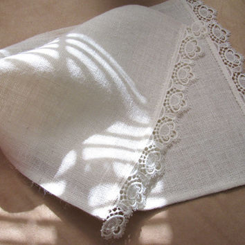 Simply Shabby Chic Burlap Table Runner