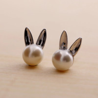 The new 925 sterling silver fashion joker (natural freshwater pearl ear rabbit earrings) jewelry