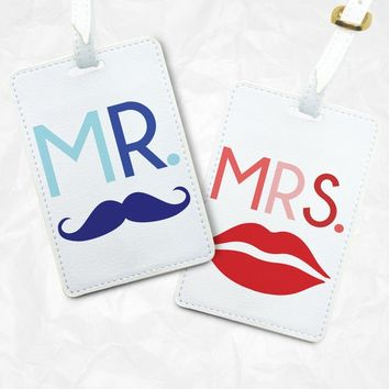 Mr and Mrs Luggage Tags, Valentines Day Gift, Engagement Gift, Wedding Gift, Personalized design, Bag Tags for him, Gift for her