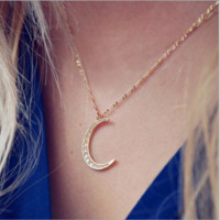 Fashion simple and beautiful diamond gold moon necklace