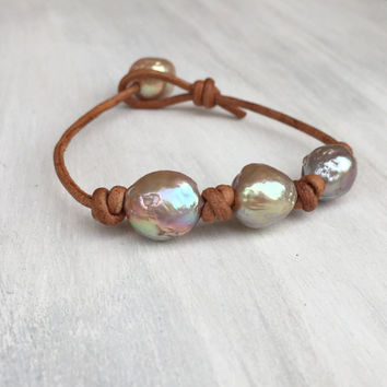 Leather and pearl, freshwater pearl, fireball, bracelet, pearls on leather, leather and pearls, pearl bracelet, pearl, choker, pearls