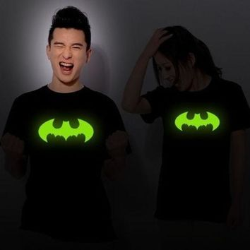 Unisex Noctilucent Black Short Sleeve Round Neck Batman Pattern T Shirt Lover's Clothes D311b 791 (size: M) = 1927996804