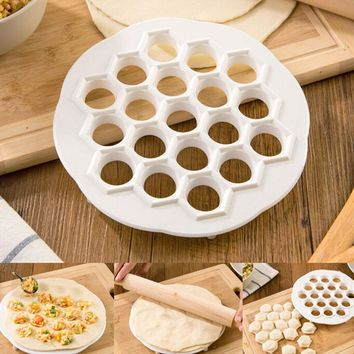 1Pcs Kitchen Pastry Tools DIY White Plastic Dumpling Mold Maker Dough Press Ravioli Dumpling Mould Kitchen Accessories  21x 2cm