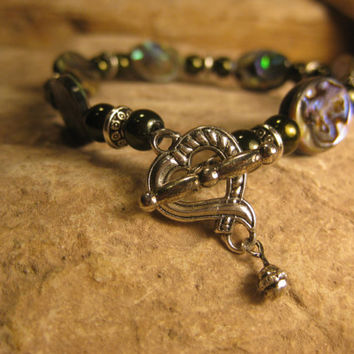 New Zealand Paua Shell Abalone Bracelet with Dark Green Glass Pearls, Handmade Gifts for Her from The Hidden Meadow