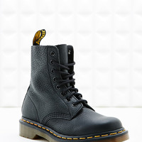 Dr. Martens Pascal Boots in Black - Urban Outfitters