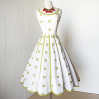 vintage 1950's dress ...pretty PAT PREMO california cotton embroidered petal gored full skirt pin-up dress