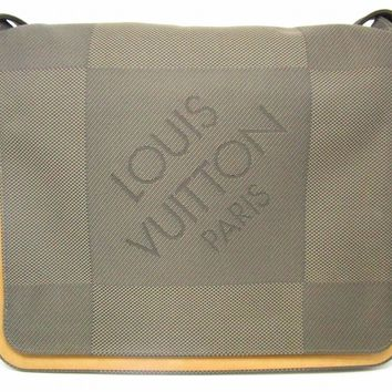 Louis Vuitton Damier Geant Canvas Messenger Shoulder Bag Grey M93226