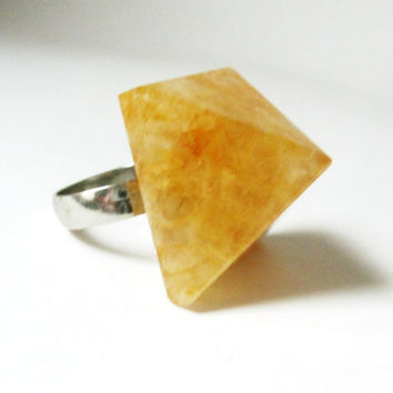 Pyramid Stone Cocktail Ring. Yellow Aventurine