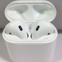 Apple Airpods Bluetooth Wireless Earphone Headphones. New Ex-Display AirPods.