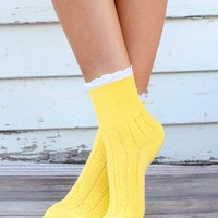 Yellow Scallop Laced Calf Sock