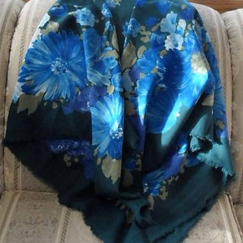 Vintage 1970's Ladies Shawl/Vintage Shawl/Polyester n Cotton Scarf/46 Inch by 46 Inch Ladies Vintage Fashion Accessory/Made in Holland