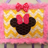 Bow organizer holder display board disney Minnie Mouse jewelry accessory necklace frame chicken wire baby girl teen tween decor nursery gift