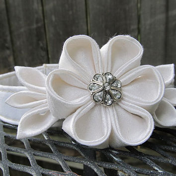 Dog Collar and Flower - MADE TO ORDER Wedding White Silk Kanzashi Flower with White cotton Collar