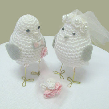 love birds wedding cake topper, custom wedding cake topper, birds cake topper, Bride and groom birds, Pink themed wedding cake decor,