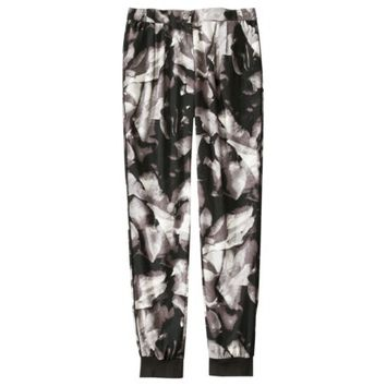 Mossimo® Women's Pleated Drapey Pant - Black/White