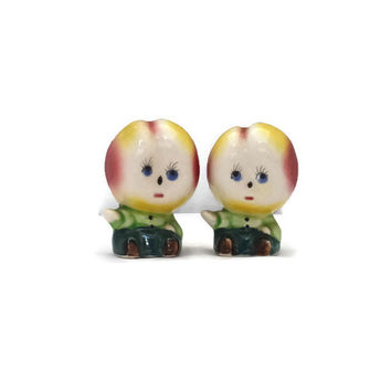 Vintage Salt and Pepper Shakers Anthropomorphic Peaches Ceramic Kitchen Collectible