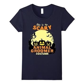 This is my scary Animal Groomers costume T-Shirt