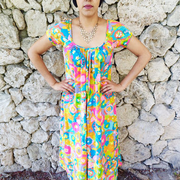 Vintage 60s Psychedelic Mod Flower Print Short Sleeve Cotton Muumuu Maxi Dress S // M // L