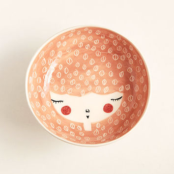 Ceramic serving bowl with character in Peach colour - handmade and unique - face illustrated bowl - MADE TO ORDER