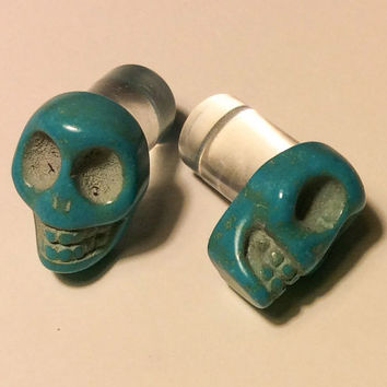 00g, 0g, 2g, 4g, 6g, 8g Tourquoise Carved Howlite Sugar Skull Plugs Día de Muertos Halloween All Hallows Eve Gothic Spooky