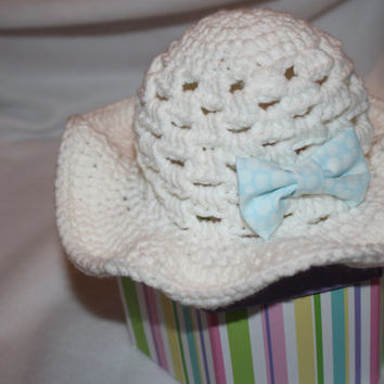 White Baby Sun Hat with Blue or Pink Bow- summer baby, baby hat, Easter Hat, photo prop, baby shower gift