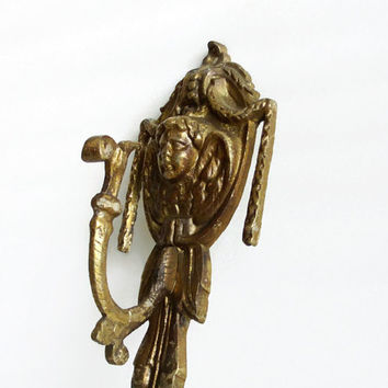 Vintage brass putti hook, 3d angel cherub face, architectural salvage, CURTAIN TIEBACK, drape holdback, Hang towels, Wall hanging home decor