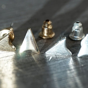 Gold & Silver plated tiny dainty arrow direction pointy triangle stud earrings (EA00035)
