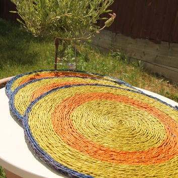12 inch Round natural placemat, table heat protector, natural organic material, grass,