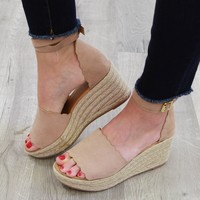 Whitney Scallop Wedge