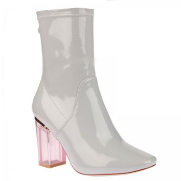 Chloe Ankle Boots In Light Grey Patent With Pink Heel
