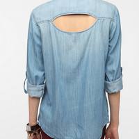 Urban Outfitters - Sparkle & Fade Open-Back Chambray Shirt