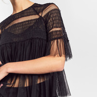FRILLY TULLE TOPDETAILS