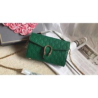 GUCCI 2018 new fashion wild shoulder Messenger chain bag F0424-1 green
