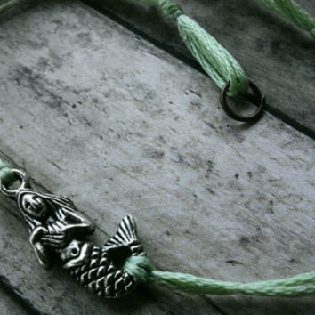 Mermaid bracelet with clasp in Mint Green