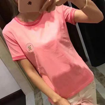 VONE05T9 Chanel Gold Embroidery Logo Pink T-Shirt