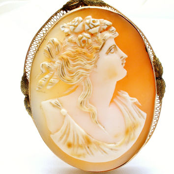 Victorian Cameo Carved Shell Pendant Brooch 10K Gold
