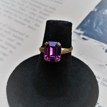 Vintage forget me not sweetheart purple amethyst glass ring size 5